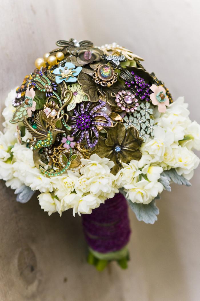 Svatební kytice – bižuterie