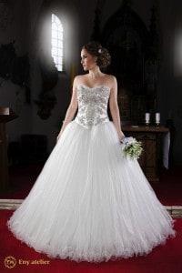 Eny atelier abito da sposa, elegante e tradizionale